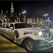 VIP Shuttle In Stretchlimousine
